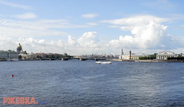 Панорама р. Нева